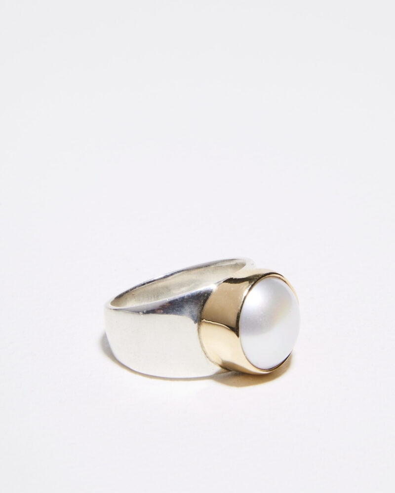 Wide band pearl ring